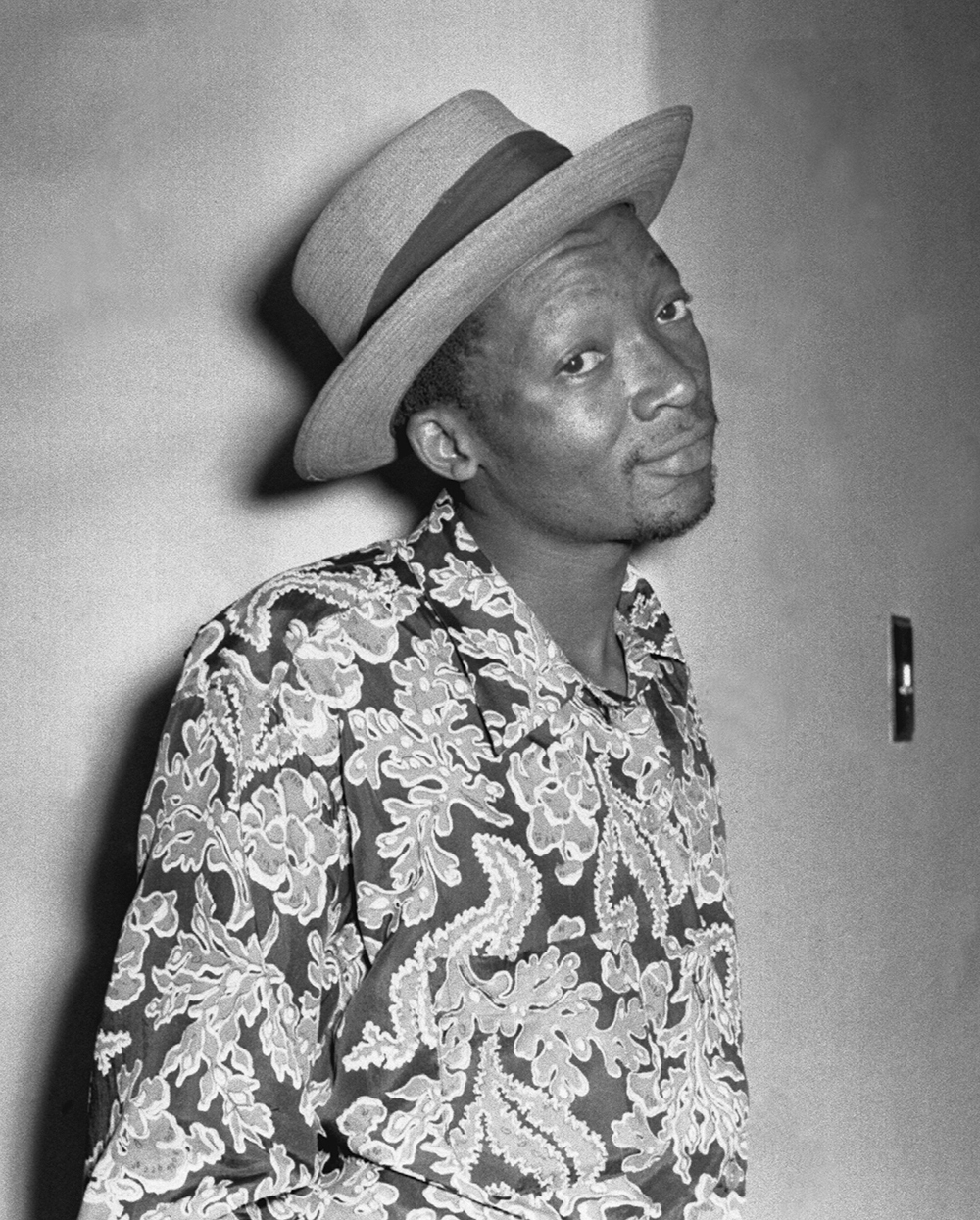 Can Themba, 1958. Photograph by Jürgen Schadeberg, jurgenschadeberg . com.