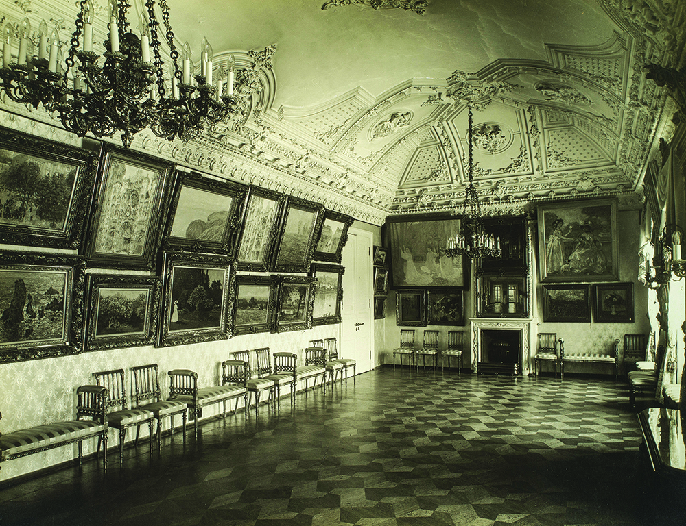Sergei Shchukin's music room in early 1914. Photograph by Pavel Orlov. Courtesy of Collection Chtchoukine.