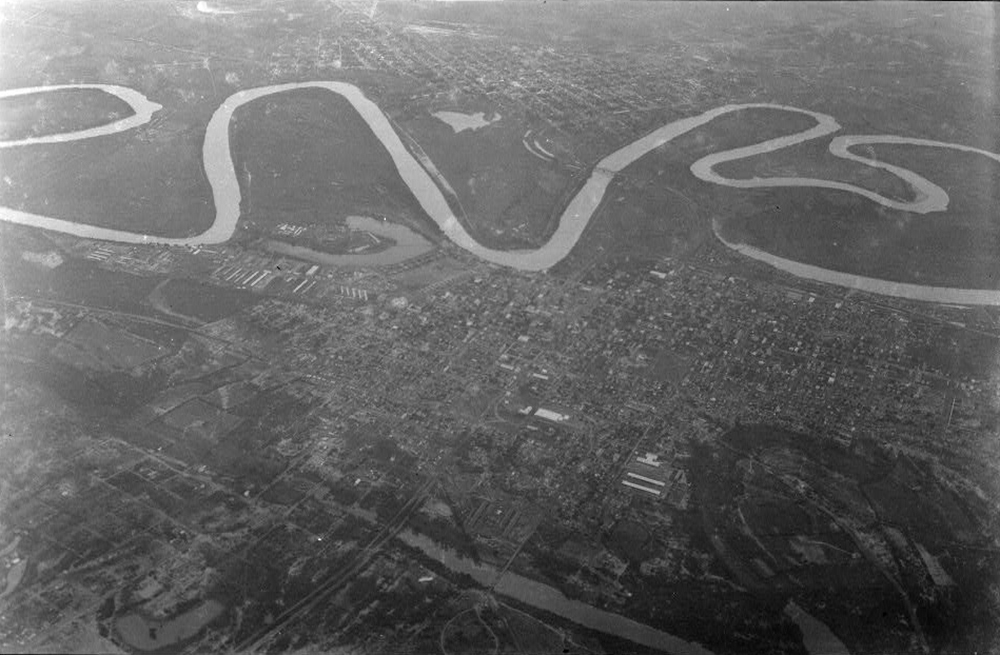Rio Grande. Photograph by Robert Runyon. The Dolph Briscoe Center for American History, University of Texas at Austin.