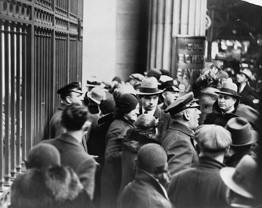 Photograph of policemen telling crowd of depositors that bank is closed, 1933. Library of Congress, New York World-Telegram and the Sun Newspaper Photograph Collection.