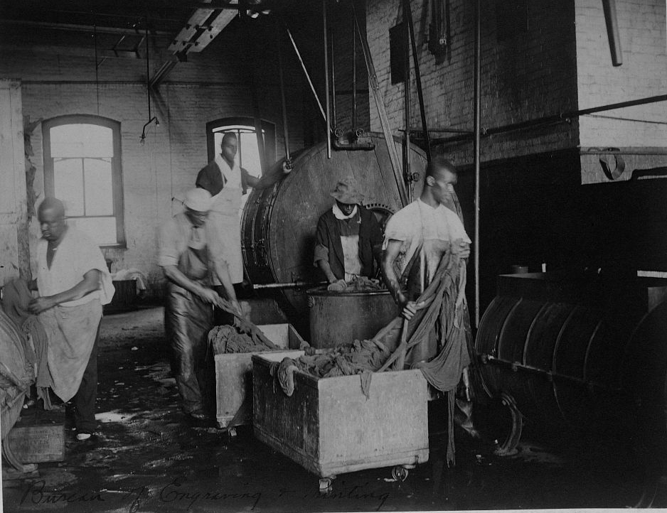 African American workers doing laundry at the Bureau of Engraving and Printing, c. 1895. Photograph by Frances Benjamin Johnson. The Library of Congress, Prints and Photographs Division.