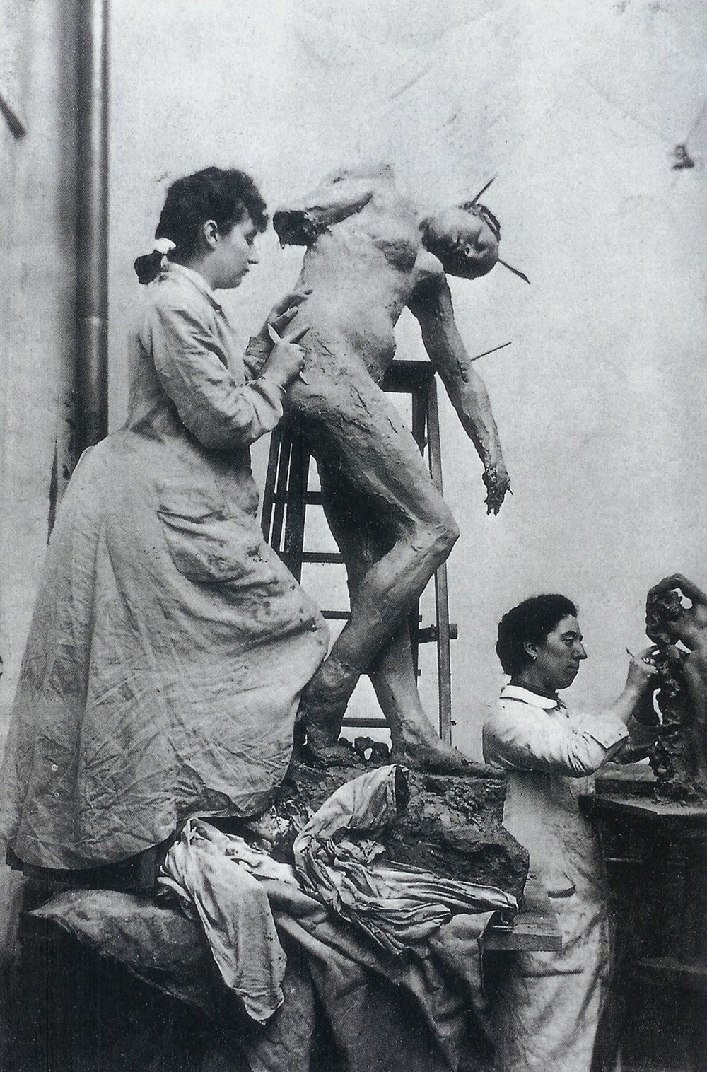 Camille Claudel (left) and Jessie Lipscomb, photographed by William Elborne, c. 1885.