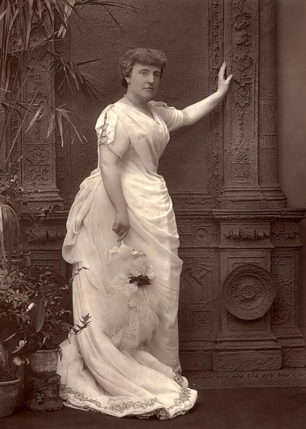 Frances Hodgson Burnett, by Herbert Rose Barraud, 1888. © National Portrait Gallery, London.