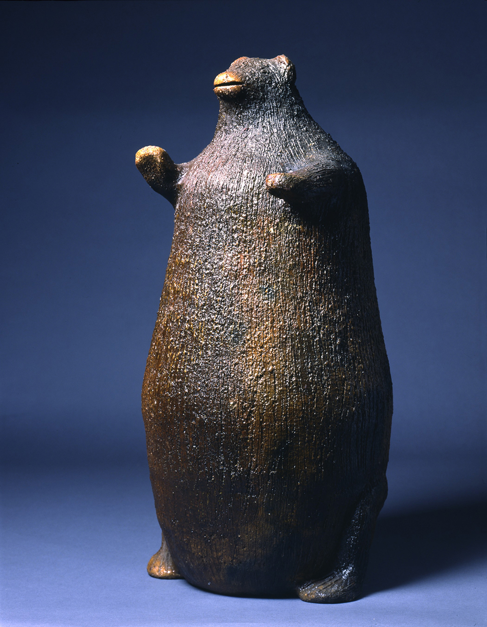 Photograph of a clay figurine of a bear by Louise Goodman, 1990. Smithsonian American Art Museum, Gift of Chuck and Jan Rosenak and museum purchase made possible by Mrs. Gibson Fahnestock.