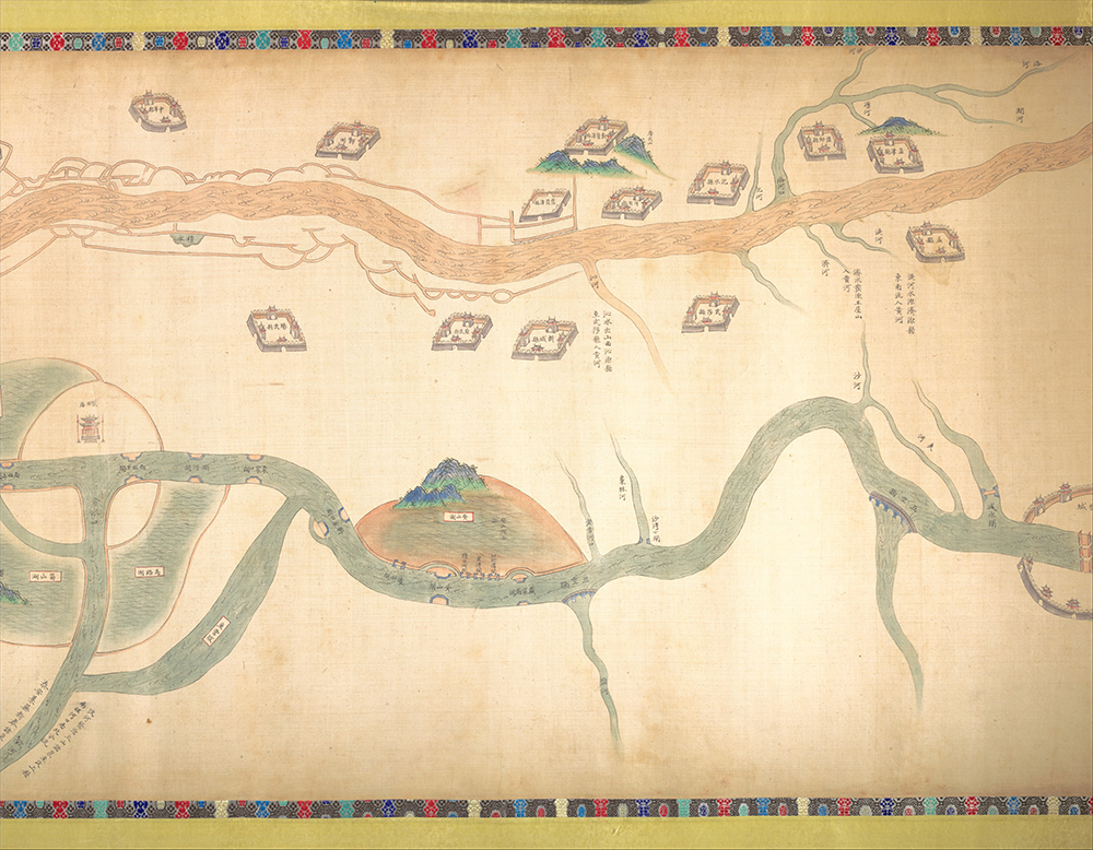 Map of the Grand Canal from Beijing to the Yangzi River, by an unidentified Chinese artist, late eighteenth or early nineteenth century. The Metropolitan Museum of Art, Purchase, Friends of Asian Art Gifts, 2003.