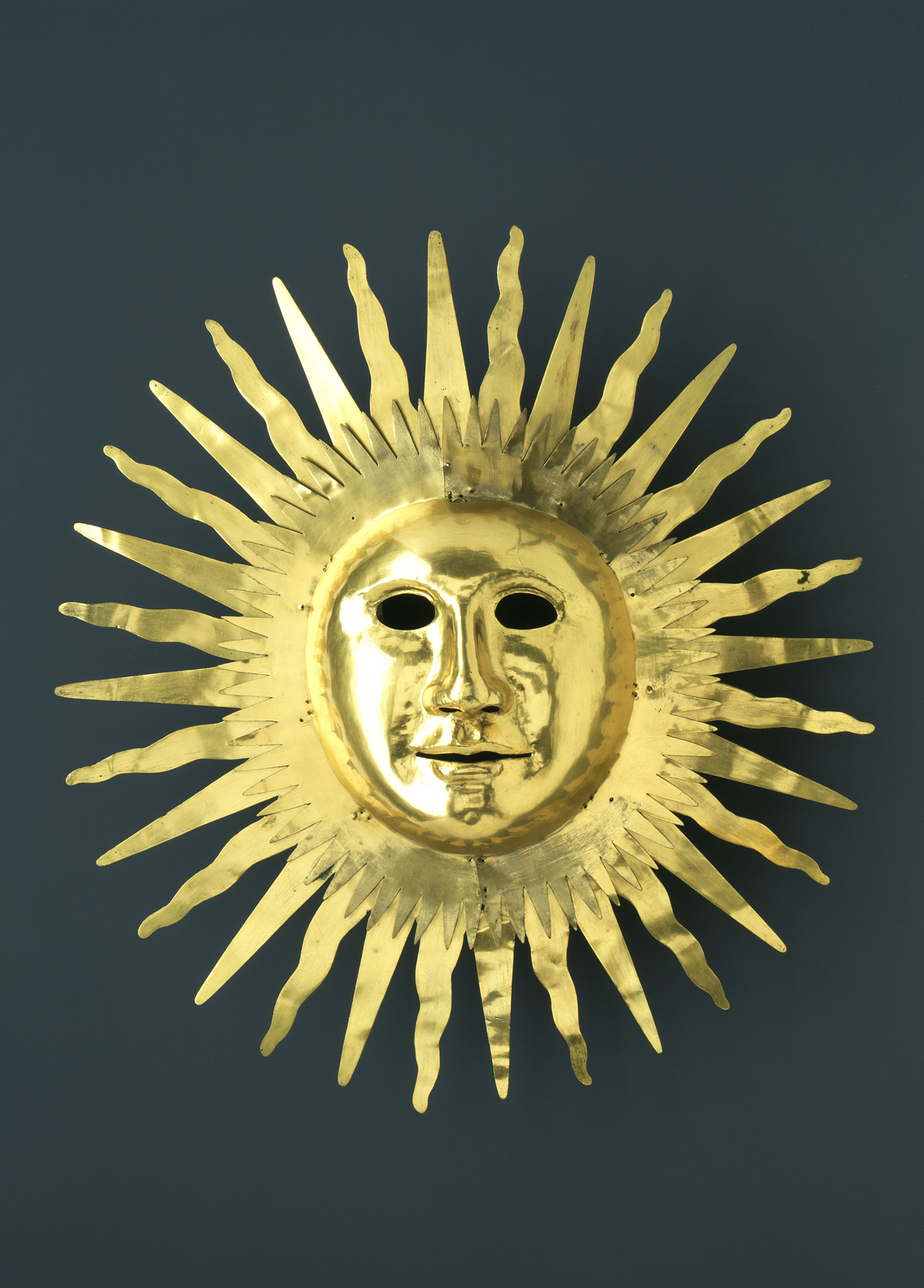 Sun mask of Apollo, by Johann Melchior Dinglinger, 1709. Dresden Armory, Germany.