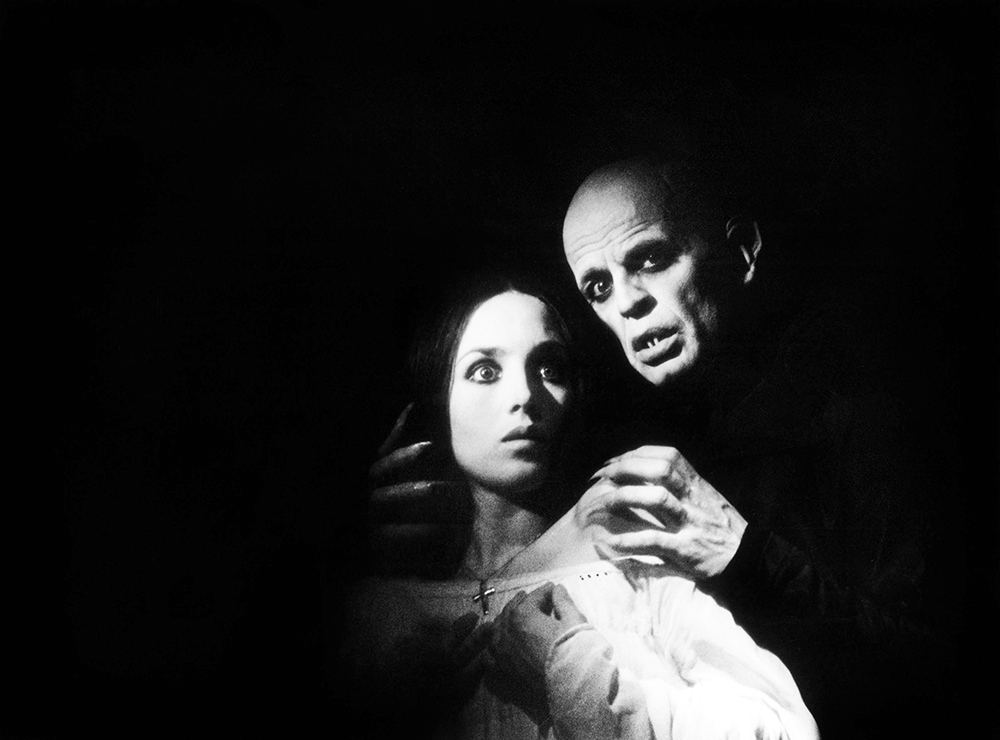 Isabelle Adjani and Klaus Kinski in a scene from Nosferatu the Vampyre, directed by Werner Herzog, 1979. © Bridgeman Images.
