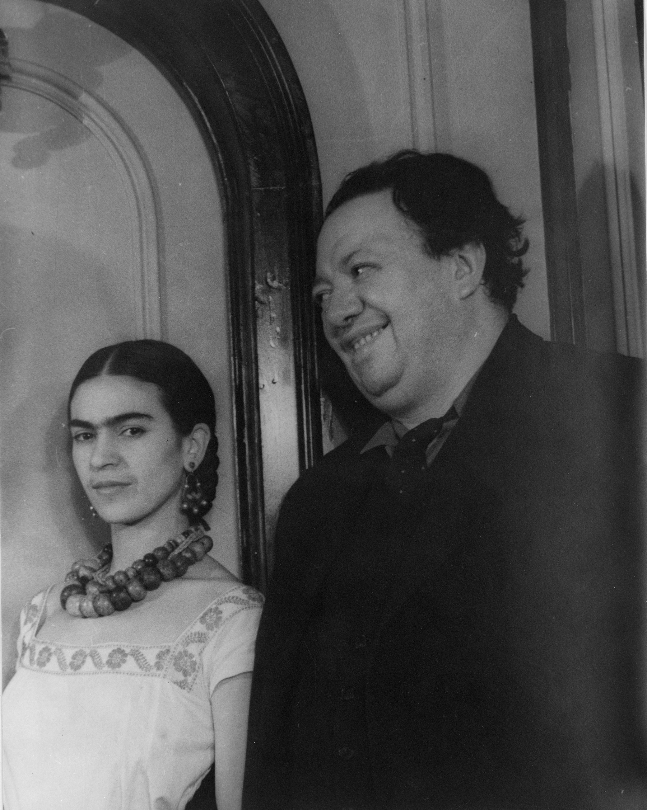 Portrait of Diego Rivera and Frida Kahlo, 1932. Photograph by Carl Van Vechten. Library of Congress, Prints and Photographs Division.