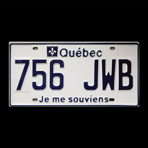 A Quebec license plate featuring the words Je me souviens.