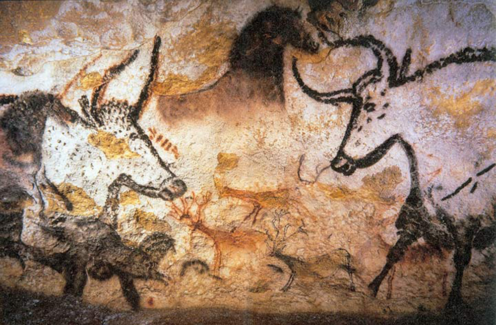 Photography of Lascaux animal painting, 2006. Photograph by Prof Saxx. Wikimedia Commons.