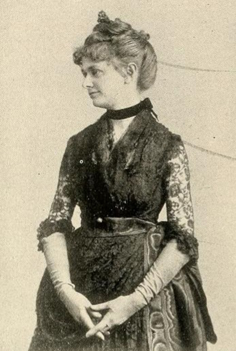 """Mabel Loomis Todd, c. 1897. From """"American Women: Fifteen Hundred Biographies with Over 1,400 Portraits."""" Wikimedia Commons."""