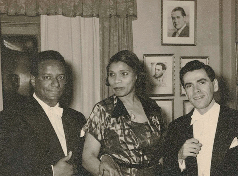 Conductor Dean Dixon, contralto Marian Anderson, and classical pianist Abbey Simon in Stockholm, Sweden, 1952. The New York Public Library, Schomburg Center for Research in Black Culture, Photographs and Prints Division.