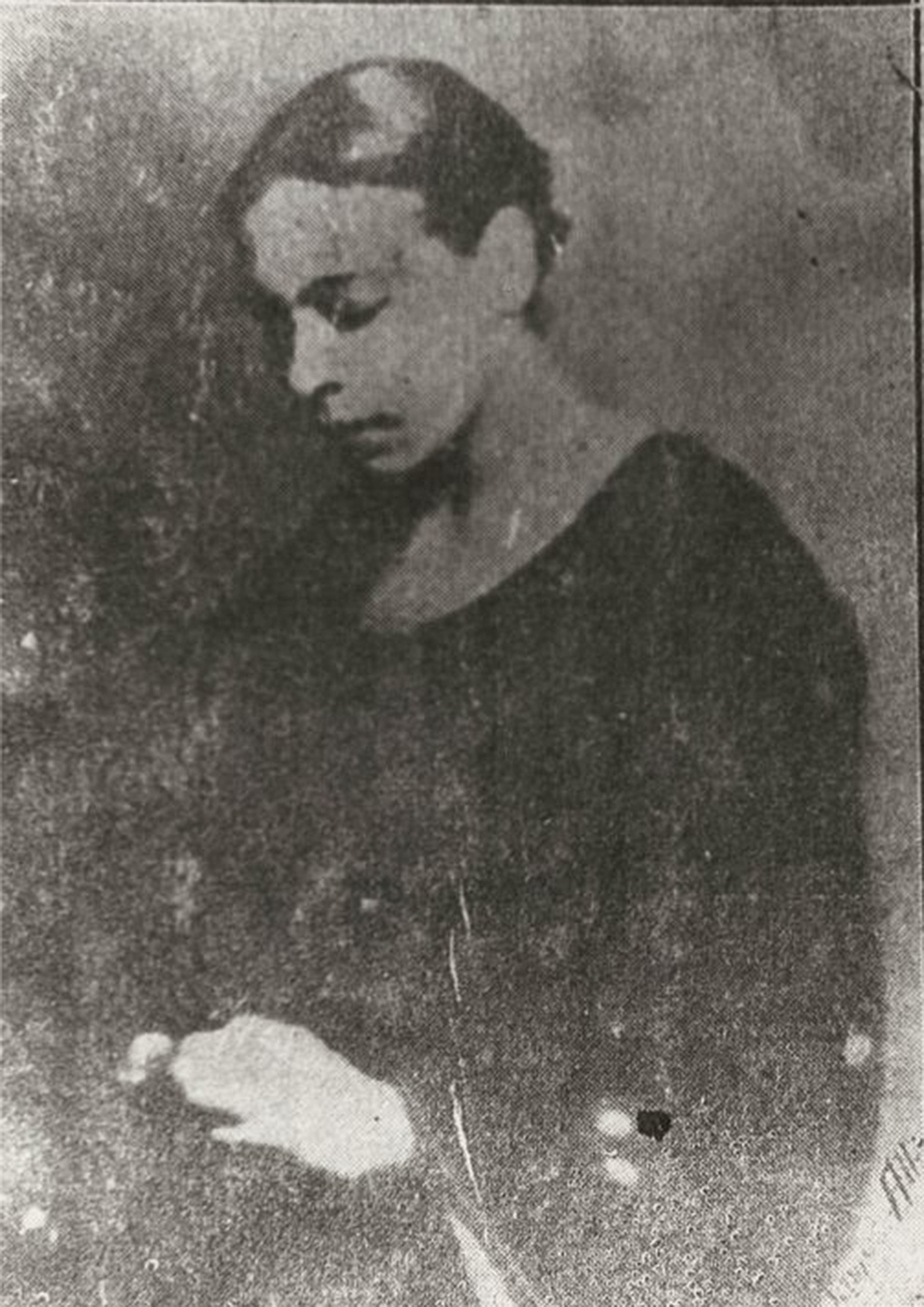 Nella Larsen. The New York Public Library, Schomburg Center for Research in Black Culture, Photographs and Prints Division.