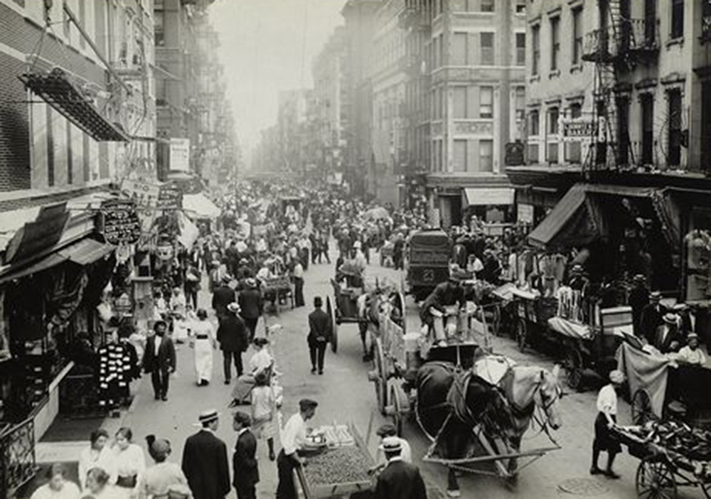 Market day in Jewish quarter of East Side, New York City, 1912. Photography by Lewis Wickes Hine. New York Public Library, The Miriam and Ira D. Wallach Division of Art, Prints, and Photographs.