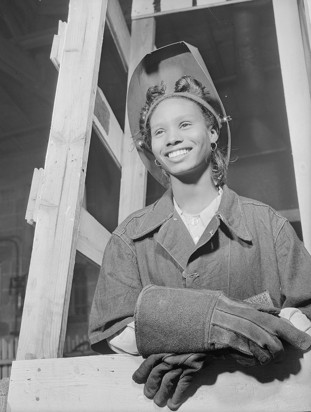 Welder in the National Youth Administration school, Bethune-Cookman College, Daytona Beach, Florida, 1943. Photograph by Gordon Parks. Library of Congress, Prints and Photographs Division.