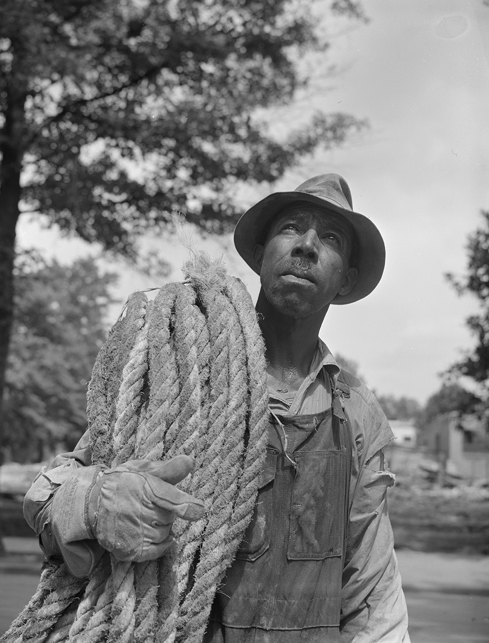 Construction worker in Washington, DC, 1942. Photograph by Gordon Parks. Library of Congress, Prints and Photographs Division.