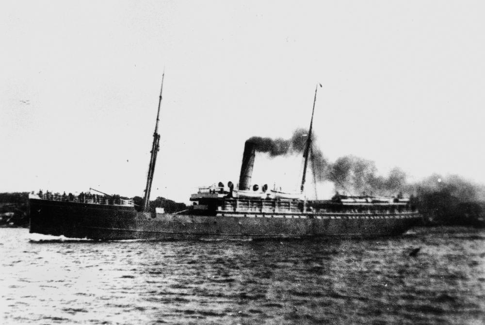 SS Talune. Wikimedia Commons, State Library of Queensland.