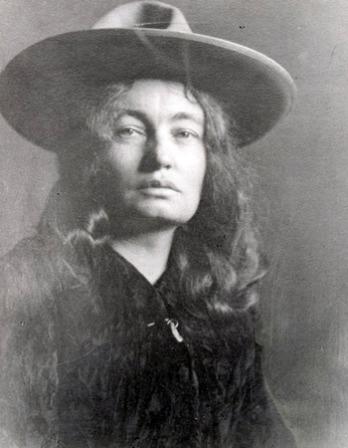 Photograph of American novelist Mary Austin.