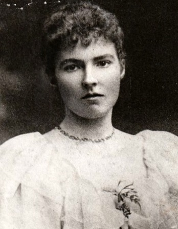 Black and white photograph of English writer and traveler Gertrude Bell.