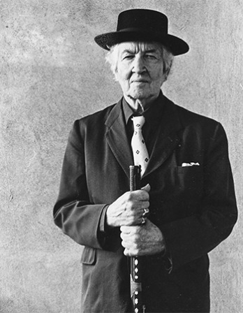 English poet, novelist, and classicist Robert Graves.
