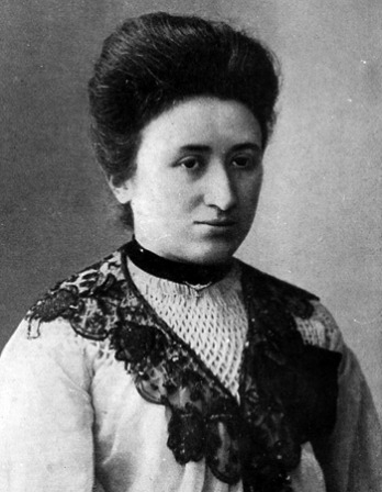 Black and white photograph of Polish-born German revolutionary and agitator Rosa Luxemburg.