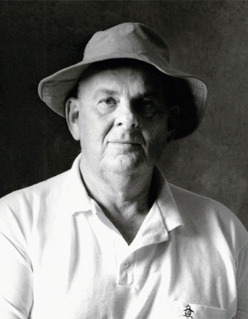 Australian poet and essayist Les Murray.