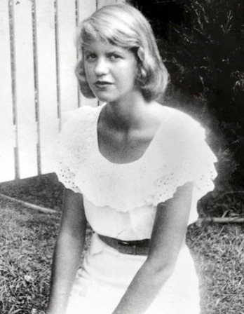 Black and white photograph of American poet and novelist Sylvia Plath.