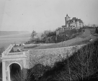 Tryon Hall, C.K.G. Billings estate, Washington Heights, New York City, c. 1916. Library of Congress, Bain Collection.