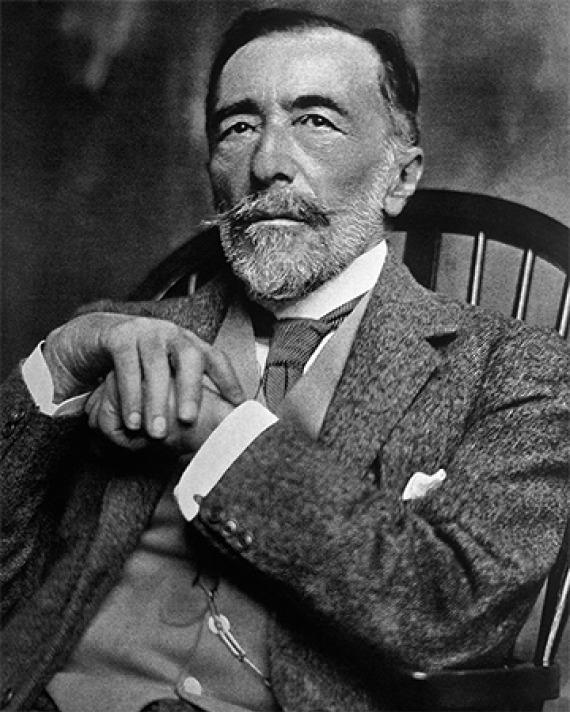 Black and white photograph of Polish-born English writer Joseph Conrad.