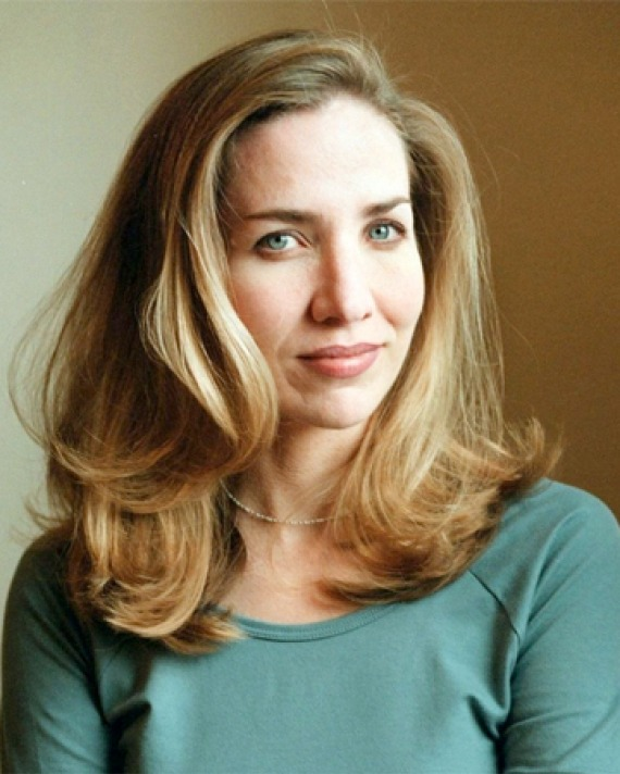 Photograph of American author Laura Hillenbrand.