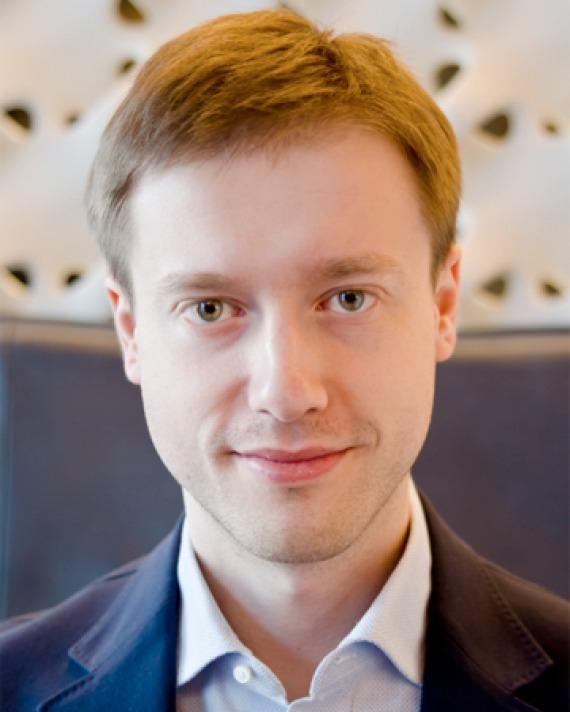 Color photograph of Russian multimillionaire Dmitry Itskov.