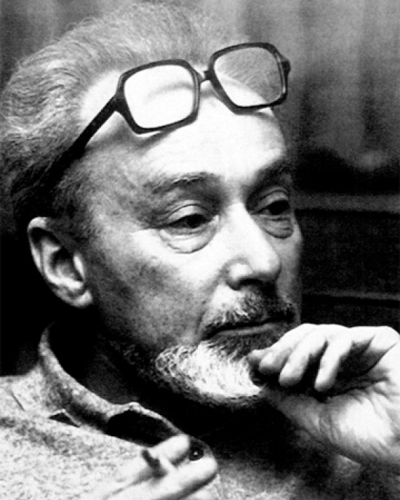 Black and white photograph of Italian writer and chemist Primo Levi.