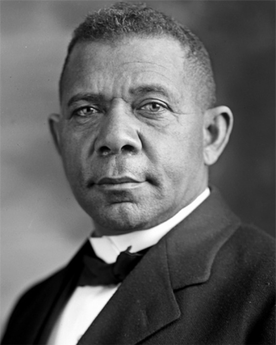 Black and white photograph of educator and reformer Booker T. Washington.