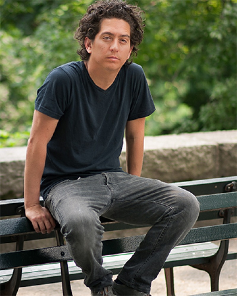 Photograph of American author Daniel Alarcón.