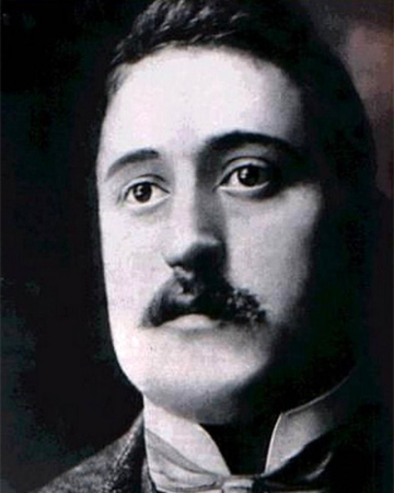 Black and white photograph of French poet Guillaume Apollinaire.