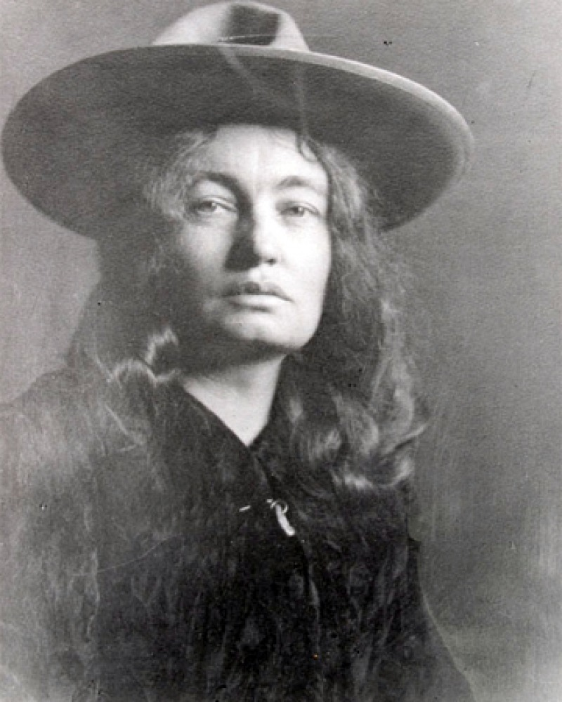 Photograph of American novelist Mary Austin.