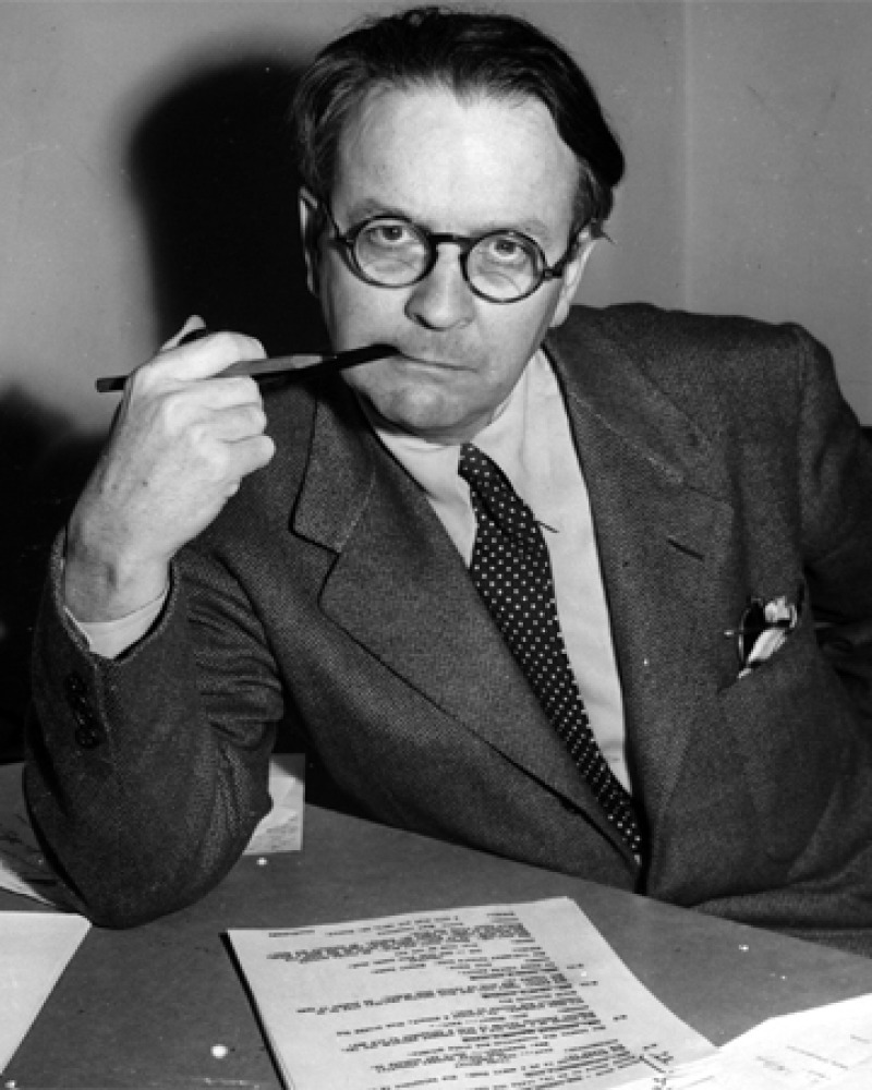 Photograph of American novelist and screenwriter Raymond Chandler.