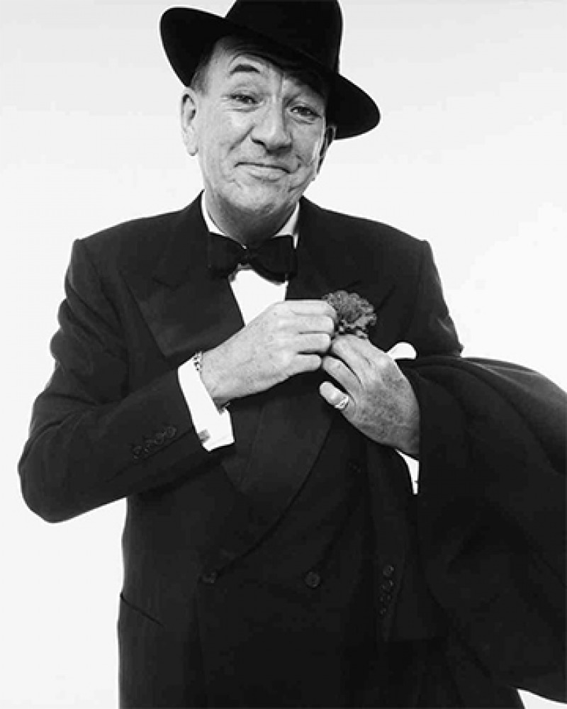 English playwright, actor, and composer Noël Coward.