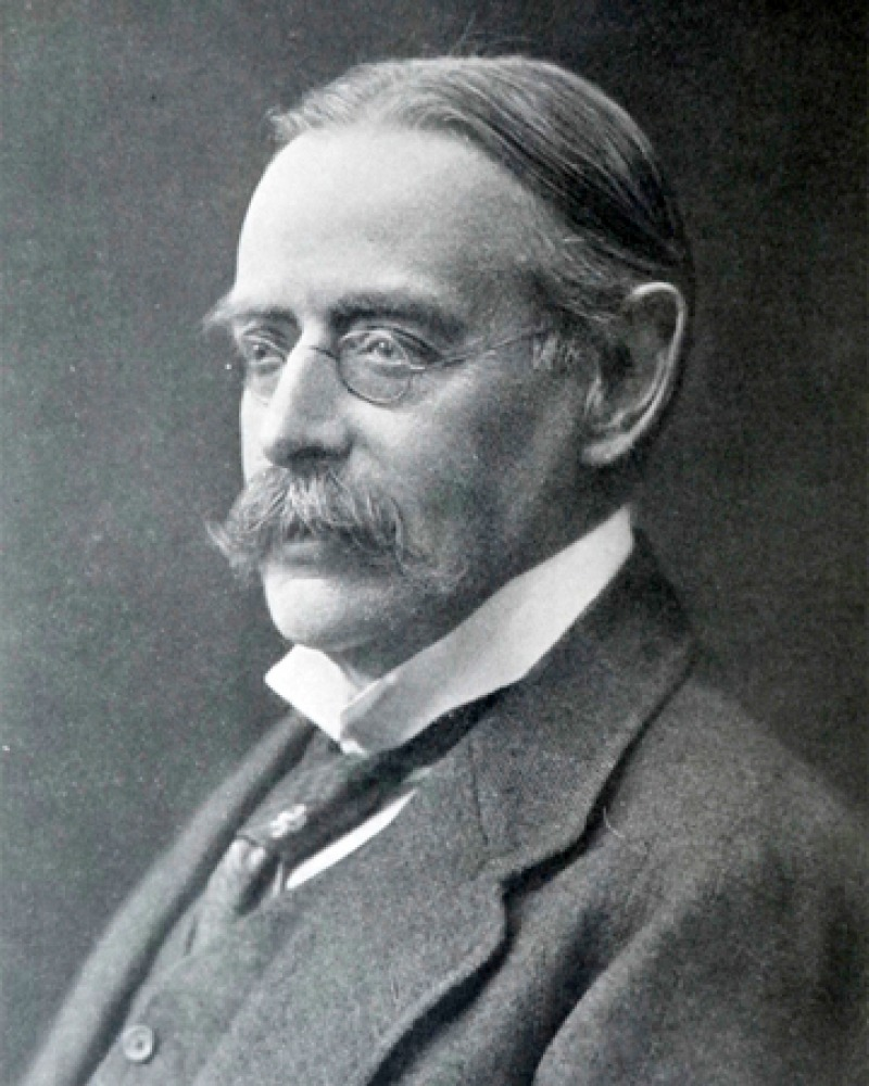 Photograph of English literary historian and critic Edmund Gosse.