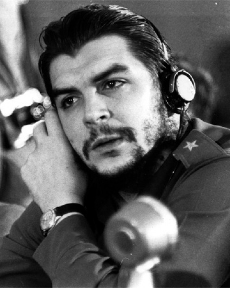 Black and white photograph of prominent communist figure Ernesto Che Guevara.