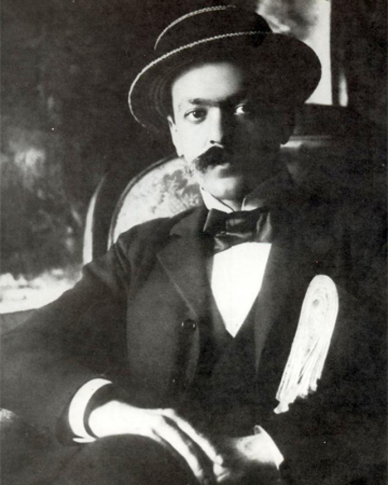 Black and white photograph of Italian novelist Italo Svevo.