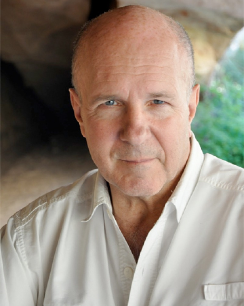 Photograph of British writer and journalist Simon Winchester.