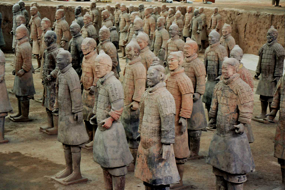 Hexbyte  Hacker News  Computers A few of the thousands of terracotta warriors found inside the mausoleum of Qin Shihuang, Xi'an, China.