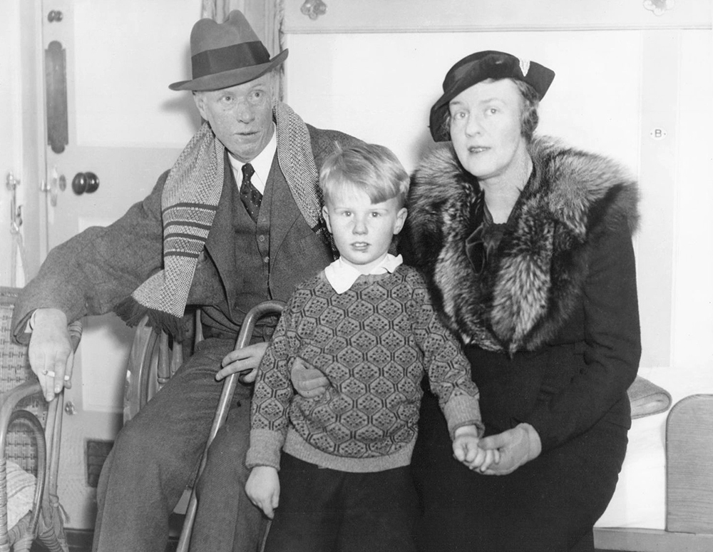 Sinclair Lewis, Dorothy Thompson, and their son, Michael Lewis, 1935. Wikimedia Commons.