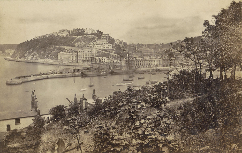 View of Torquay harbor with Walden Hill in the background, anonymous, c. 1850–70. Rijksmuseum.