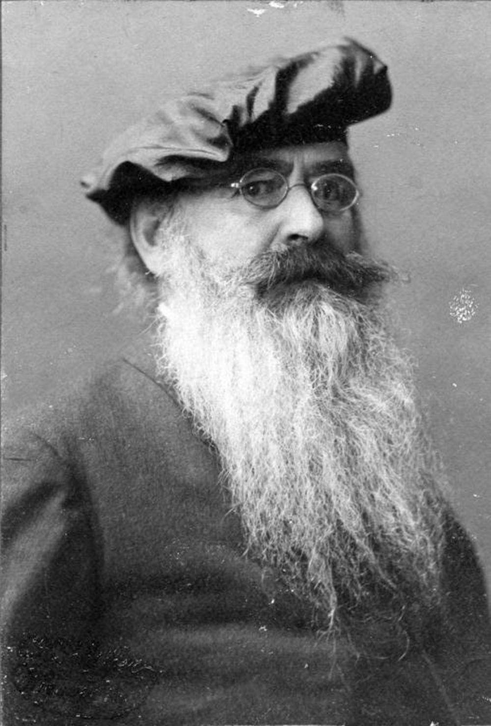 Guido von List, 1910. Photograph by Conrad H. Schiffer. Bundesarchiv, Bild 183-2007-0705-500 / Conrad H. Schiffer / CC-BY-SA 3.0.