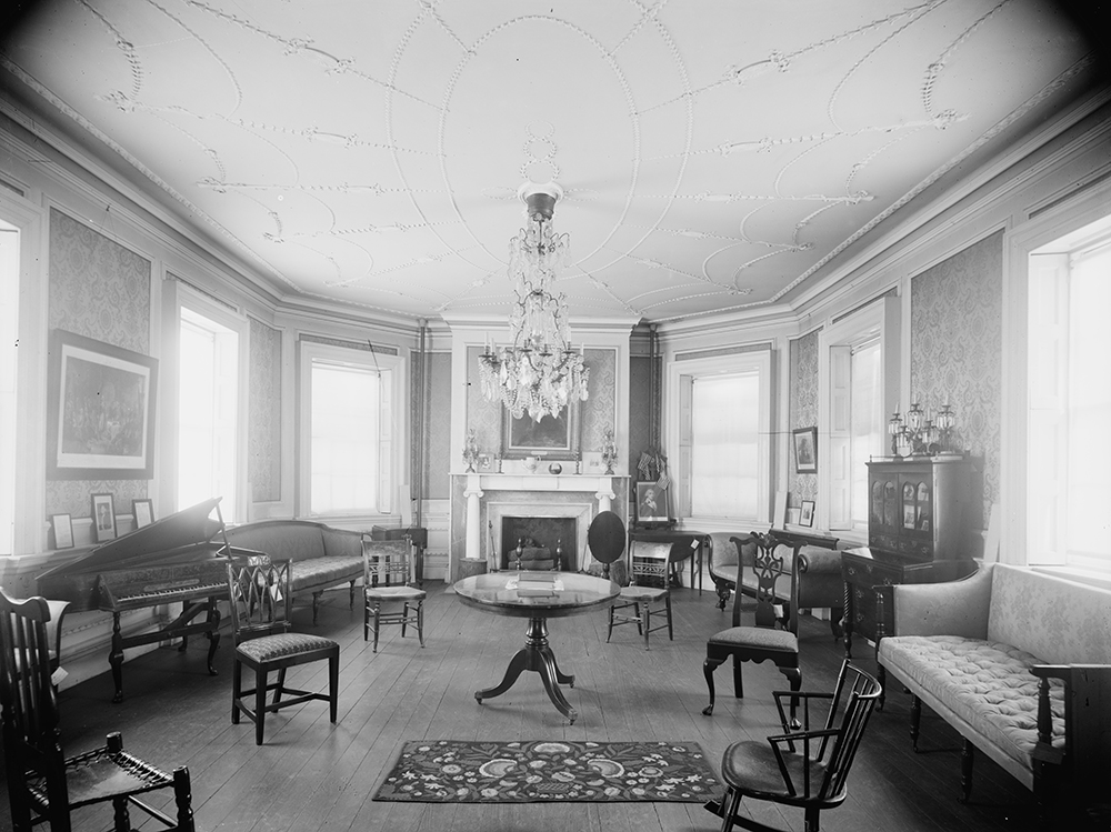 Council chamber, Washington's headquarters, Morris-Jumel Mansion, c. 1900. Library of Congress, Prints and Photographs.
