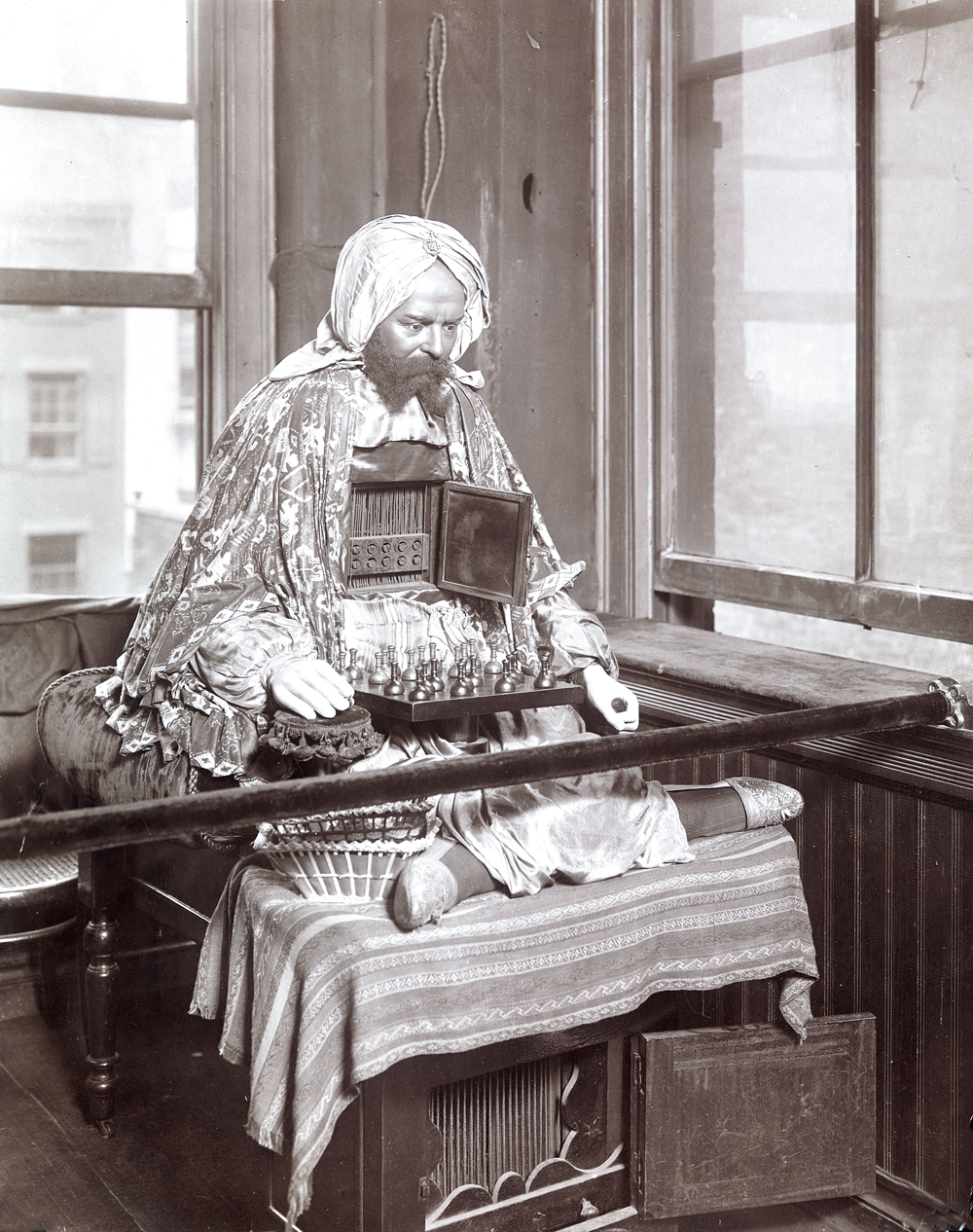 Ajeeb, chess-playing automaton, a long-term attraction at the Eden Musee, a New York City wax museum, c. 1906. Museum of the City of New York/Art Resource.